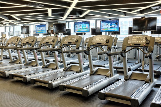 walking on a treadmill during pregnancy is safe